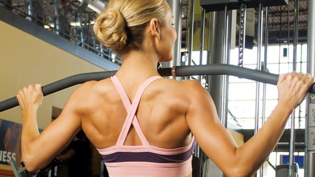 Hoe moeten vrouwen hun rugspieren trainen