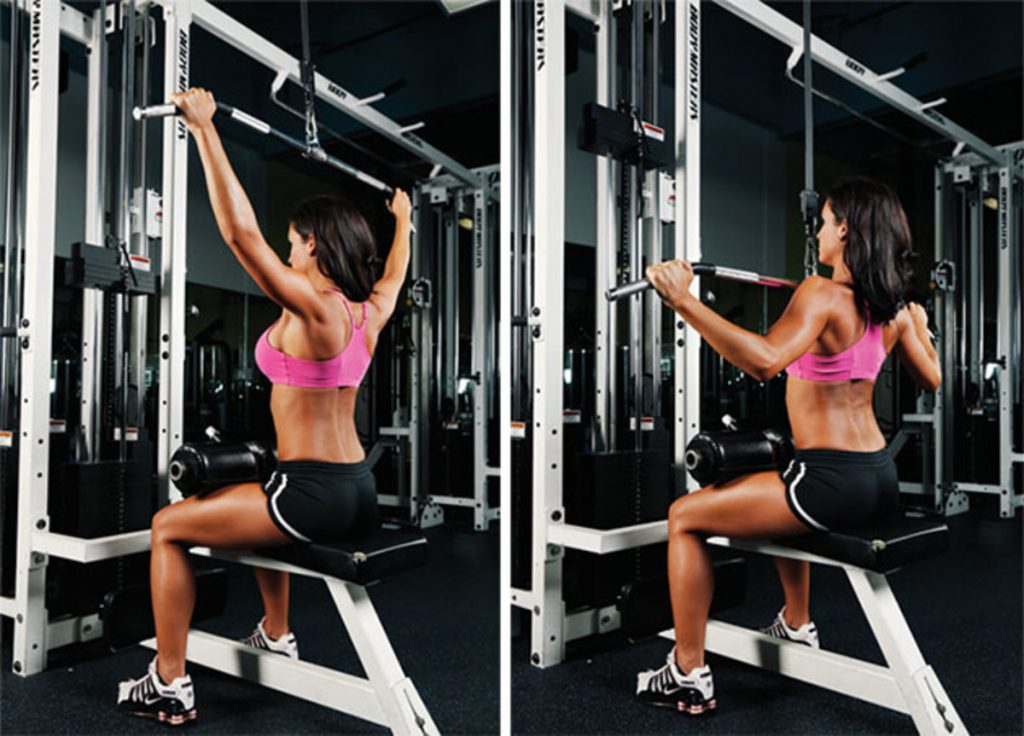 rugspieren trainen met de wide grip lat pull down.